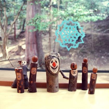 いつもみんなを出迎えてくれる、こ芸の木の戦士達。