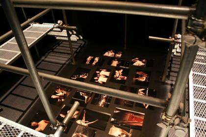 卒展 舞台05
