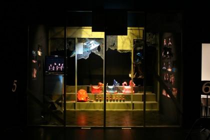 卒展 舞台06