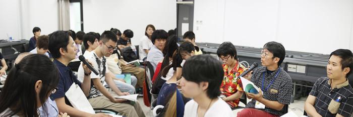左:小説家の辻井先生、右:マンガ学科の松田先生