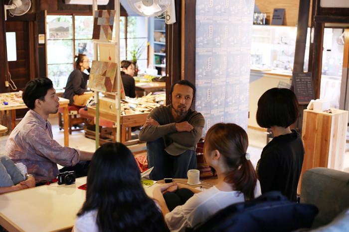 丹波地域のオーガニック野菜を取り扱う「369works」の鈴木さん。