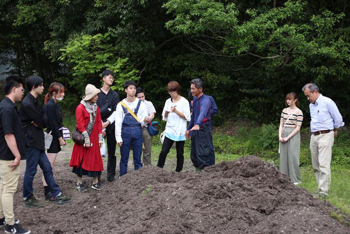 木材屑発酵堆肥についてお話しくださった、澤田さん。