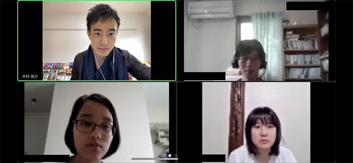 ブレイクアウトルームを活用した学生同士のインタビュー。木村先生からのレクチャーがあったのでしょうか。学生たちの表情は真剣です。